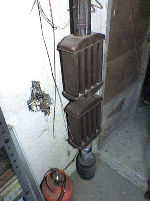 Riscaldamento piccino fai da te a carbone help for Porta pellet da interno