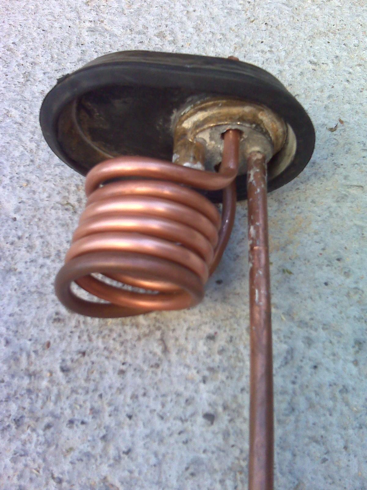 Recuperare un boiler da un vecchio scaldabagno elettrico pagina 2 solare termico - Serpentina scaldabagno ...