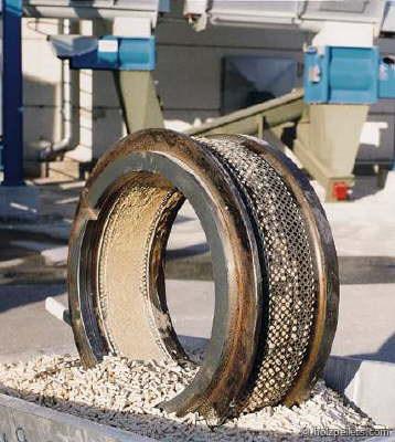 http://www.energialternativa.info/public/newforum/ForumEA/G/pellets-matrize-large.jpg