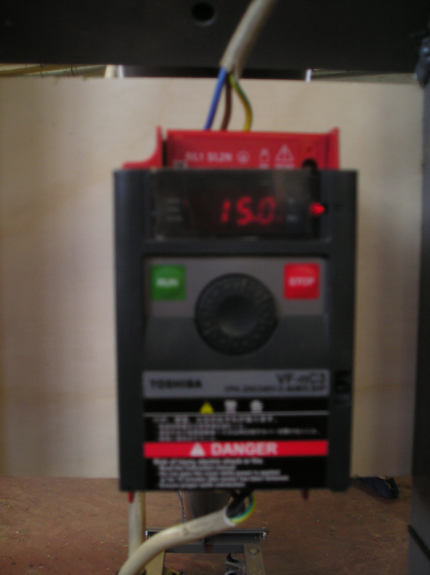 http://www.energialternativa.info/public/newforum/ForumEA/G/regolatore_1.JPG