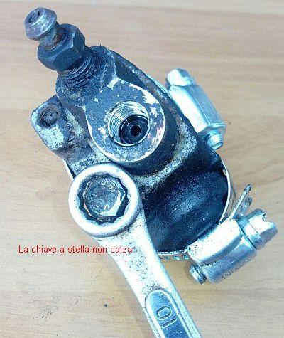 http://www.energialternativa.info/public/newforum/ForumEA/U/04-CILINDRETTO_BULLONE_CHIAVE-STELLA-NON-ENTRA.jpg